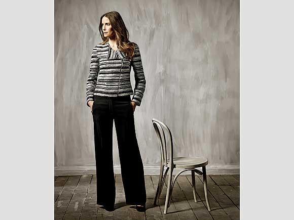 Metallic-Streifen machen die Jacke zum echten Hingucker. Von M&Co