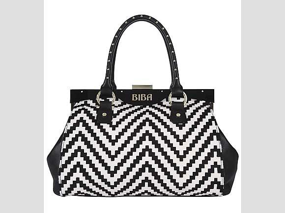 Unverzichtbar für den Monochrom-Stil: Tasche in Black & White. Von House of Fraser