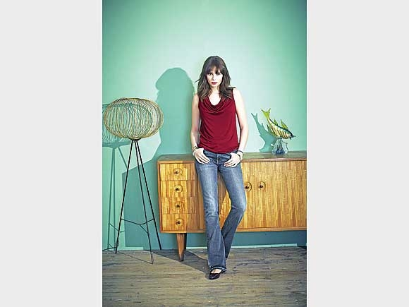 Die Bootcut-Jeans passt zu vielen verschiedenen Styles. Von Long Tall Sally