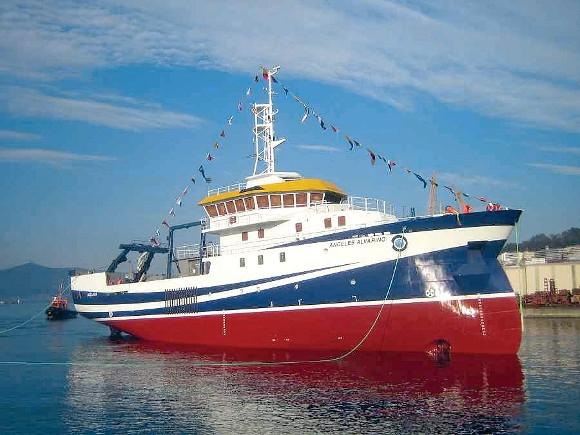 Die Crew des Forschungsschiffs leistet wertvolle wissenschaftliche Arbeit.