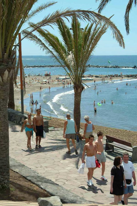 Tourism dropped last month in the Canaries