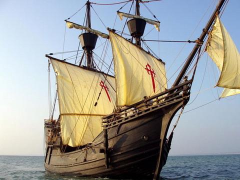 History sailing into Santa Cruz
