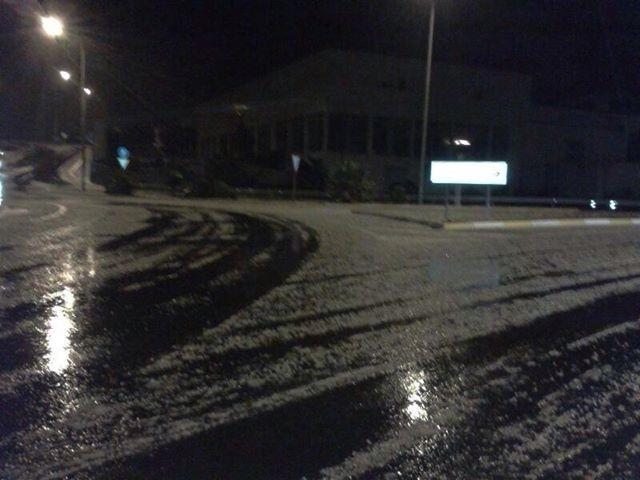 Hagel im Kreisverkehr von Guaza im Süden Teneriffas.