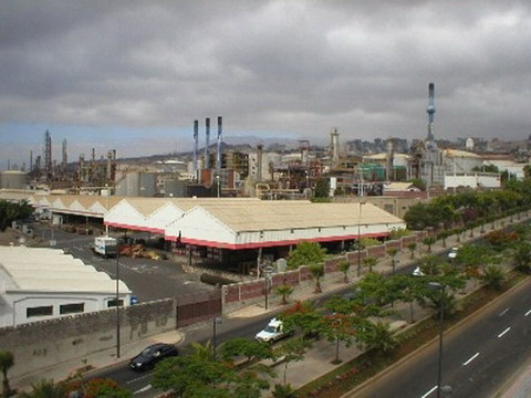 Tenerife´s refinery has until the end of 2007 to meet Kioto Treaty requirements