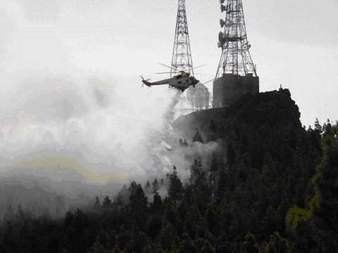 Fire fighting in Gran Canaria