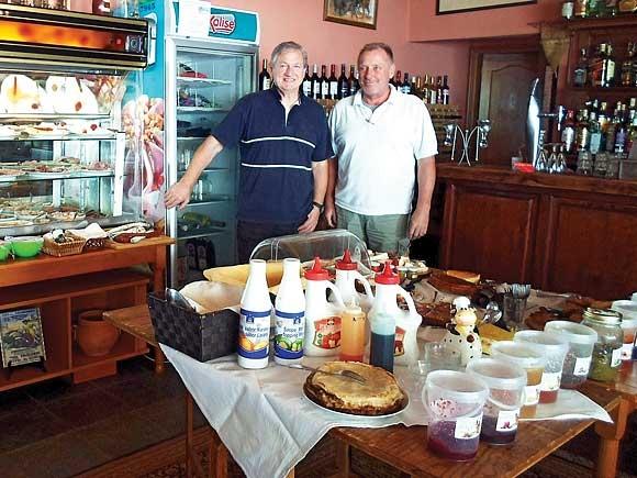 Jo Schlichting und Kurt Jäger verbindet eine alte Freundschaft und eine Vorliebe für leckeres Essen.