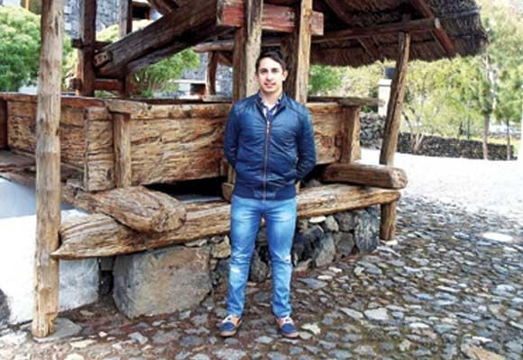 Aday Martín Gorrín darf als technischer Ingenieur das Energiezertifikat ausstellen.