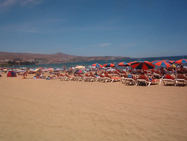 Tourists will be able to relax in the popular town of Playa del Inglés