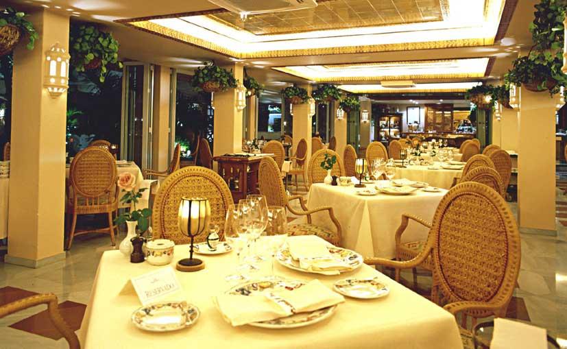 The El Patio restaurant in the Jardín Tropical Hotel