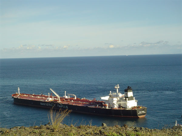 Oil tankers are going to be banned from passing 12 miles from the Canaries