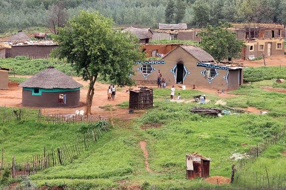 In abgelegenen Dörfern werden Erkrankte oft von der Familie und Freunden versteck gehalten.