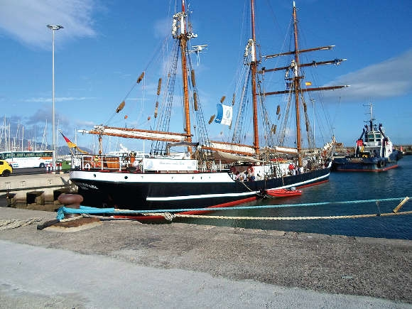 """Die """"Thor Heyerdahl"""" segelt im Auftrag der Jugendbildung über den Atlantik."""