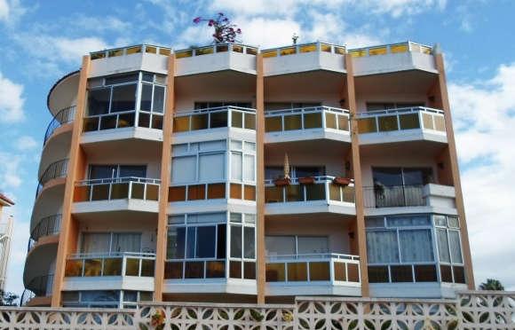 Auch Balkone, die zum Wintergarten gemacht wurden, gehören dazu. Wer sich nicht sicher ist, sollte lieber beim zuständigen Bauamt nachfragen.
