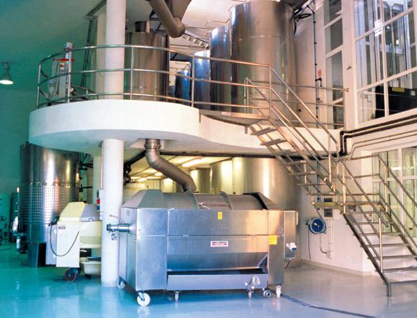 Beim computergesteuerten Gärungsprozess wird modernste  Fermentierungstechnik eingesetzt