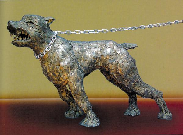 Hundeskulptur von Julio Nieto