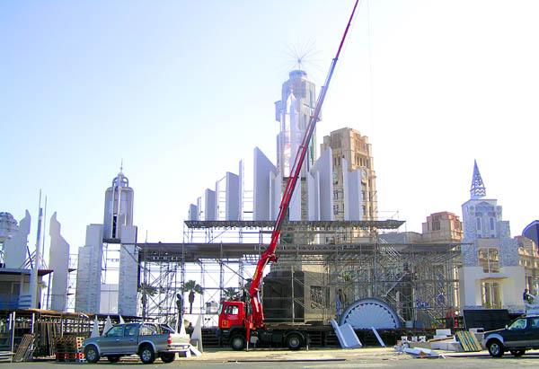 Der Aufbau der Bühne dauert mehrere Wochen