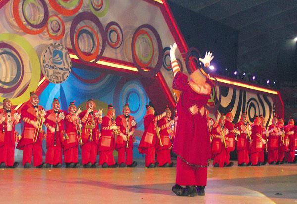 Ein Auftritt der berühmten Murga-Gruppe