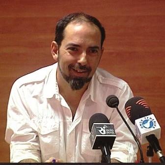 Eric Viana promoting 'Circolandia'