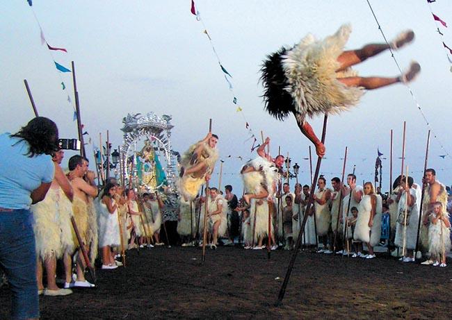 Beim Guanchen-Schauspiel fehlt auch der traditionsreiche Hirtensprung nicht