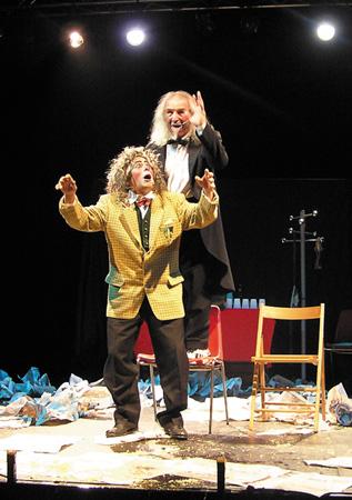 Jango Edwards und Peter Ercolano während des Auftritts