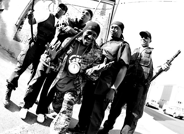 Public Enemy rappen im April in Santa Cruz