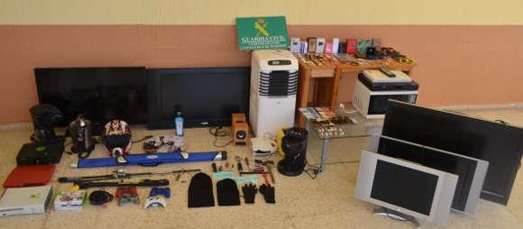 Die bei der Festnahme gefundenen Gegenstände.