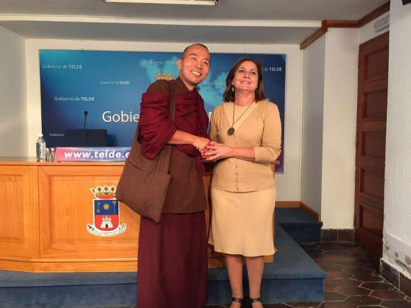 46601 1447441856 1000051 - nachrichten - Tibetischer Lama bringt Weisheit nach Telde