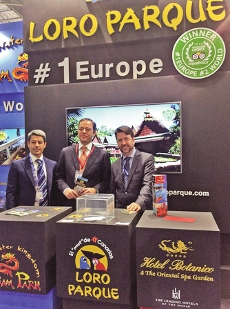 Christoph Kiessling (centre), Tenerife tourism councillor Alberto Bernabé (left) and Tenerife president Carlos Alonso (right) at the World Travel Market