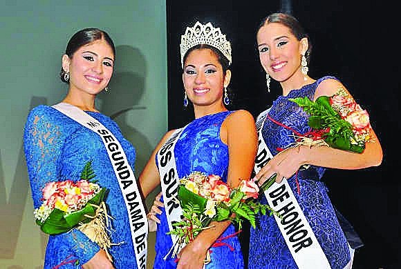 The three young ladies crowned
