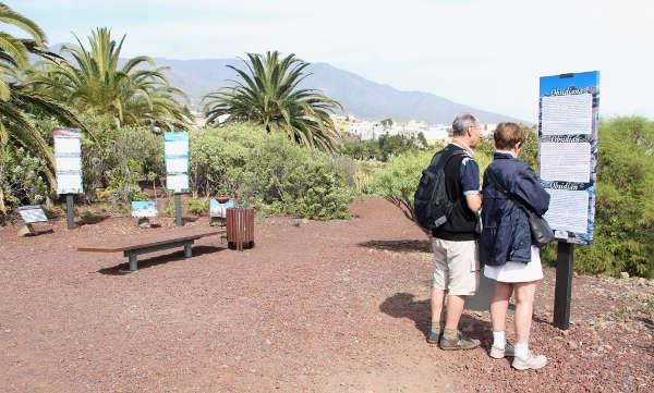 Besucher auf der Rute Vulcánica.