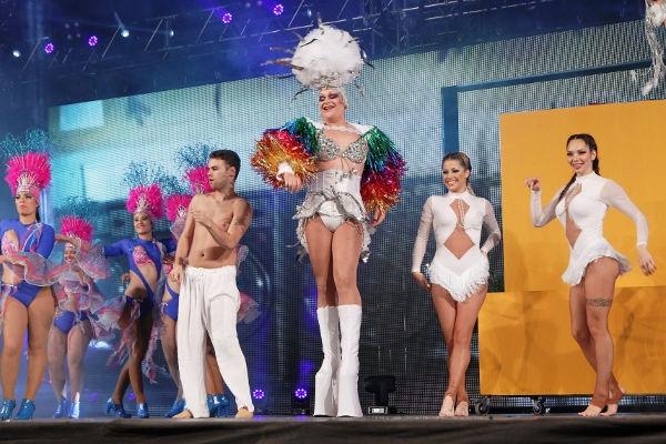 Eine Show aus Rhythmus, Spaß, Eleganz und Witz in Los Cristianos.
