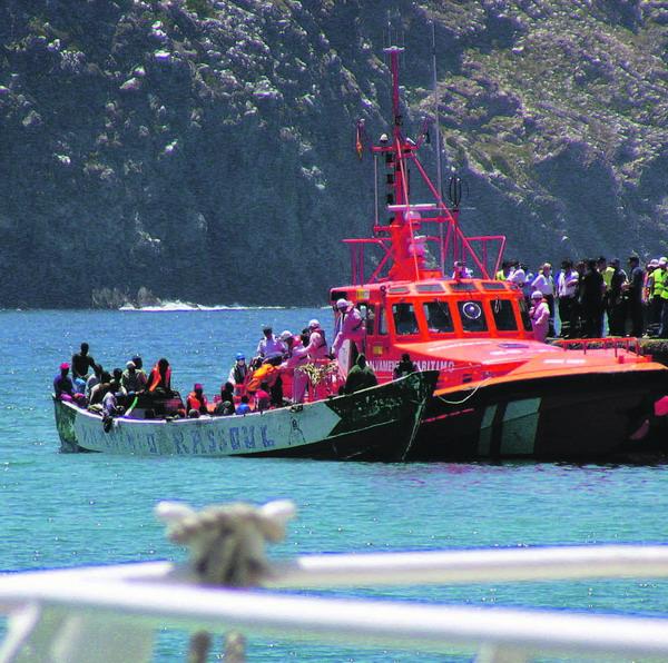 Im Jahr 2006 war der Seerettungsdienst pausenlos im Einsatz, um Immigranten zu retten