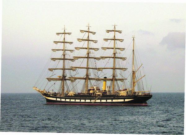 Das berühmte Segelschiff Krusenstern ist noch bis 20. Oktober vor der Küste Teneriffas zu sehen