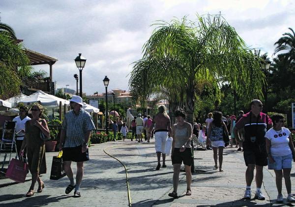 An der Costa Adeje wurde die derzeitige Tourismussituation diskutiert