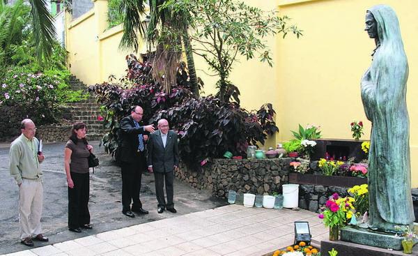 Auf einer Gedenktafel kann der Besucher die Legende um die Schwester María de Jesús nachlesen