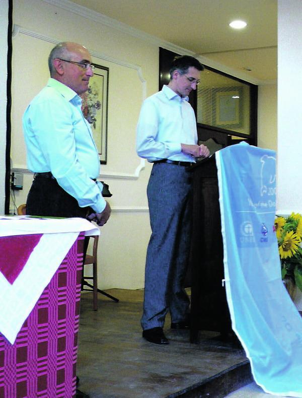 (L-R) Alejandro Hidalgo (TUI Spanien) und Andreas Koch (TUI Deutschland) waren zur Titel- und Urkundenverleihung nach La Gomera gekommen