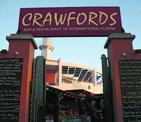Das 'Crawfords' befindet sich in Puerto Colon unter der Bar 'El Faro'