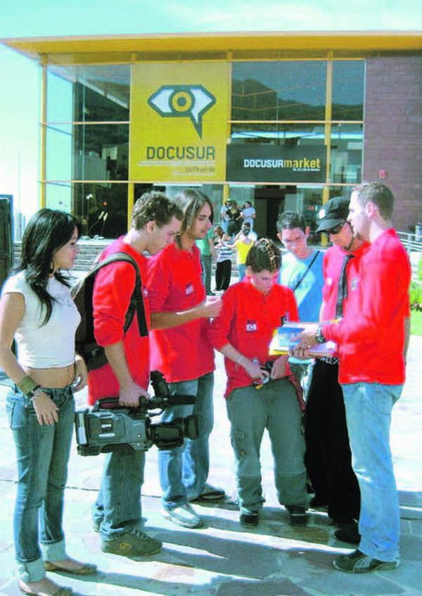 Zahlreiche Schüler nahmen 2006 an den Workshops der DOCUSUR teil