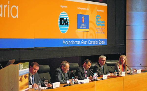 Der kanarische Präsident Paulino Rivero kündigte auf dem Weltkongress fünf neue Anlagenprojekte an