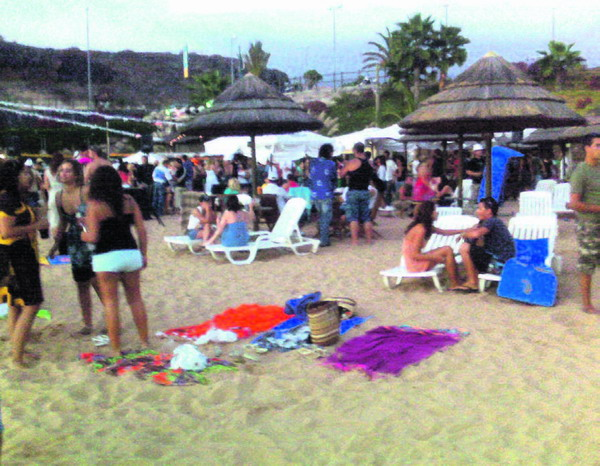 Sun & Fun auf der Beach Party in La Caleta