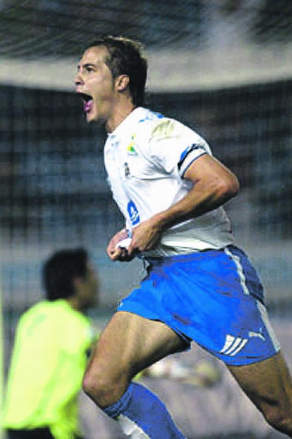 Culebras erzielte im kanarischen Derby das zweite Tor für die Weißblauen