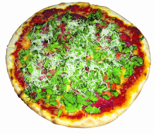 Pizza mit Tomate, Mozarella und frischem Ruccula