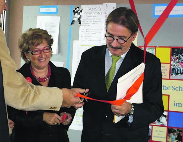 Eine der ersten Amtshandlungen auf Teneriffa - die Einweihung der Photovoltaikanlage in der Deutschen Schule in Tabaiba