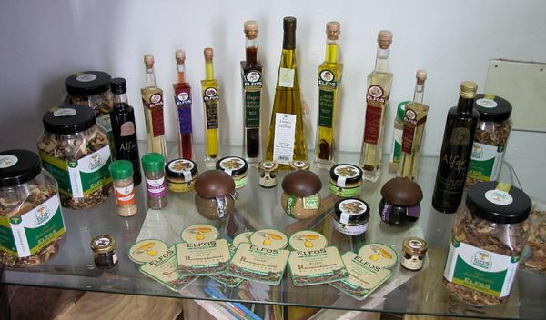 Erlesene Öl- und Essigvariationen, Waldpilze und Champagnerpasteten
