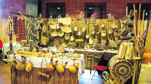 Nicht nur in der Küche, sondern auch in der Handwerkskunst ist die Kastanie ein beliebter Rohstoffe.