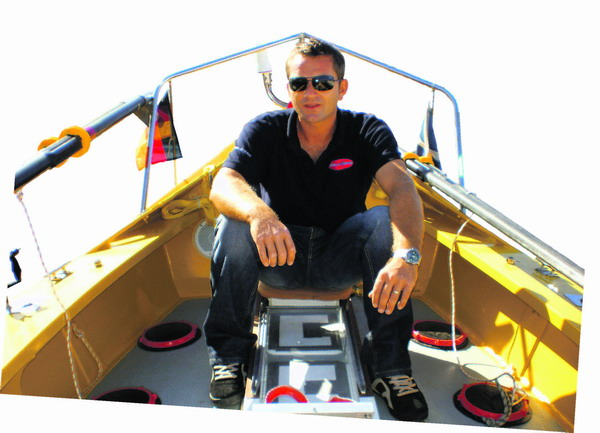 Der Deutsche Peter Raab will in diesem Boot den Atlantik überqueren - und zwar schneller, als das je zuvor einer geschafft hat