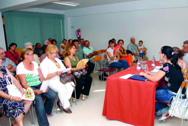 Members of different local representa­tive groups attended the meeting