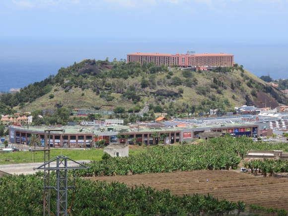 Der linke Teil des Komplexes, bekannt als El Trompo, ist illegal gebaut worden.