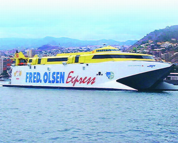 The baby was rushed by Fred Olsen fast ferry from Santa Cruz