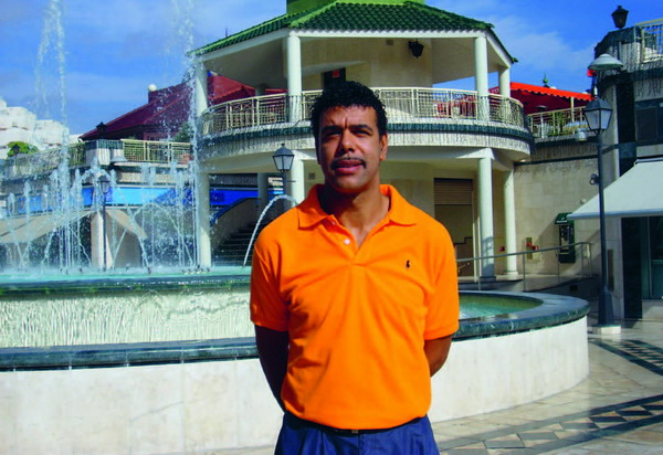 Chris Kamara during a recent visit to Tenerife